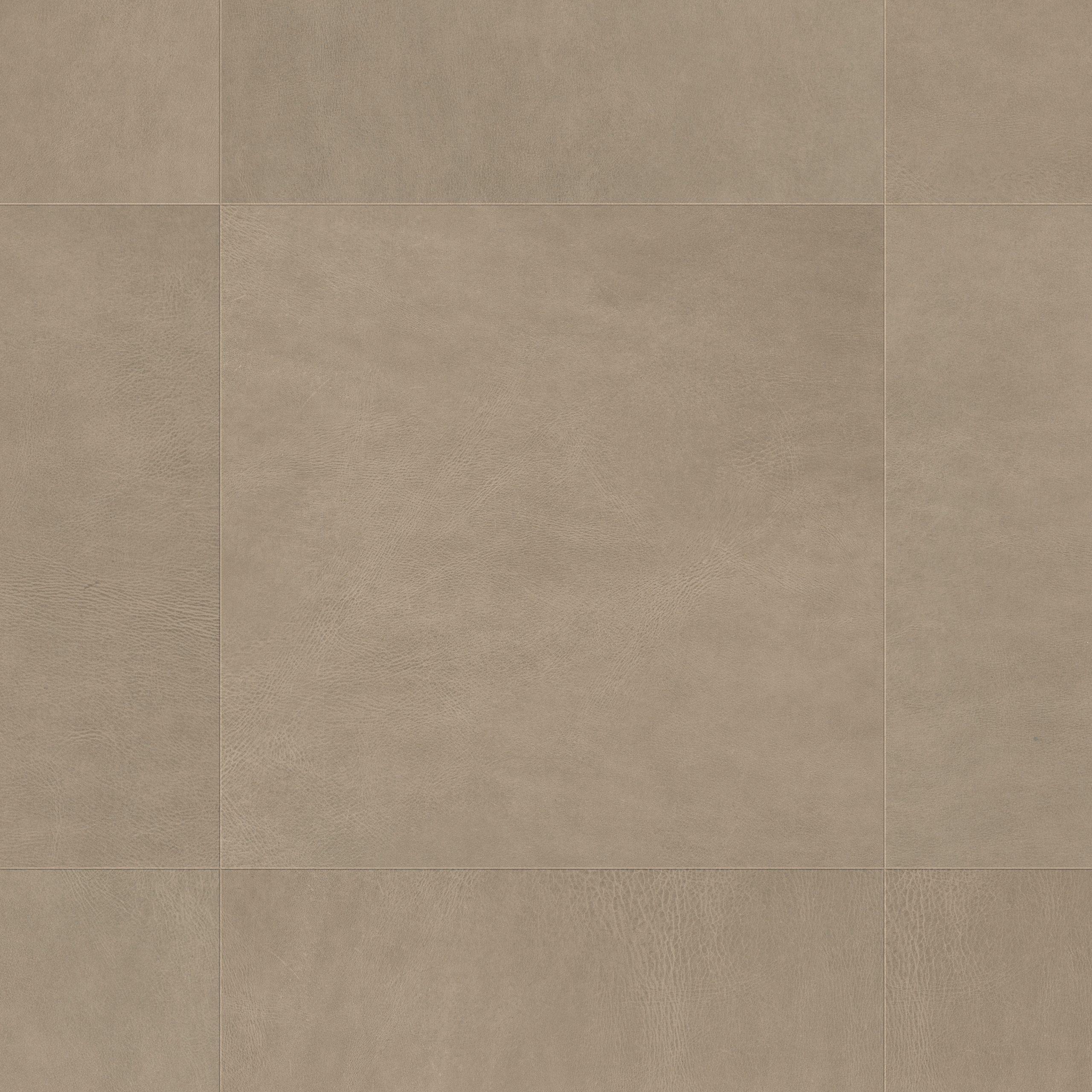 UF1402_Topshot-Square HR